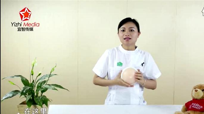 哺乳期,遇到奶涨时,手挤奶的正确方法