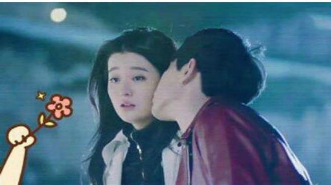 欢乐颂2:乔欣饰演的关关利用谢童让曲筱绡家破产,逼疯安迪,最终众叛亲离