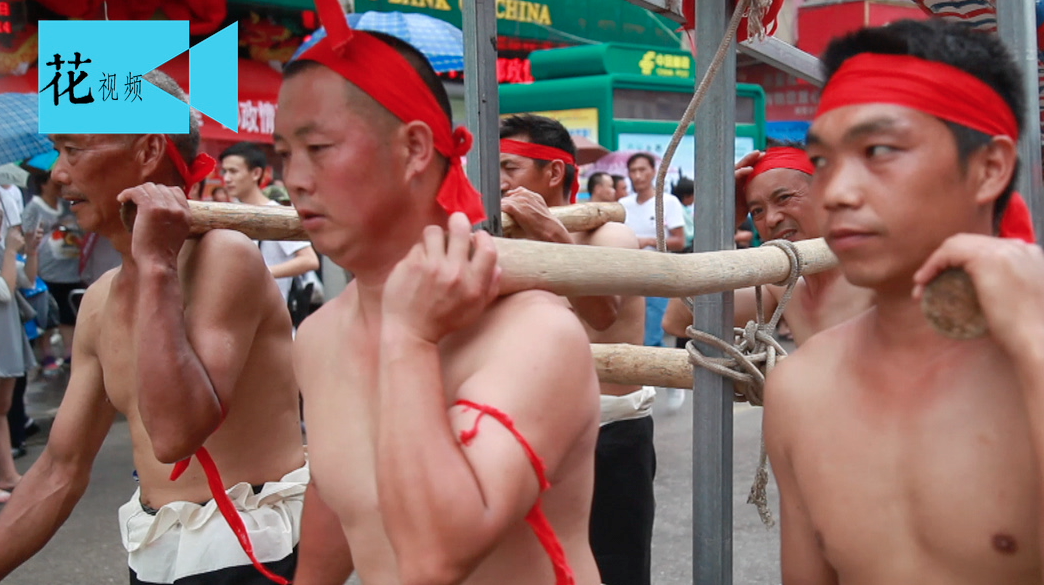 农村端午节的一种蛊术,竟让185个女人和6个男人同上一条木船.....